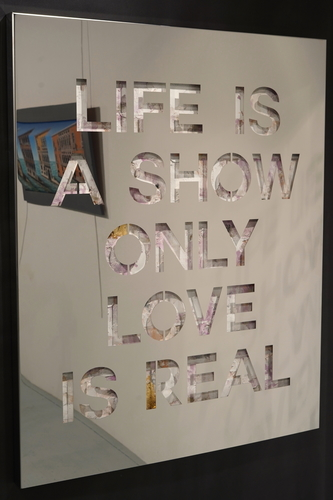 Life is a Show - Inox (80 cm)
