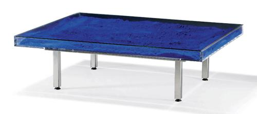 Table YK Bleu