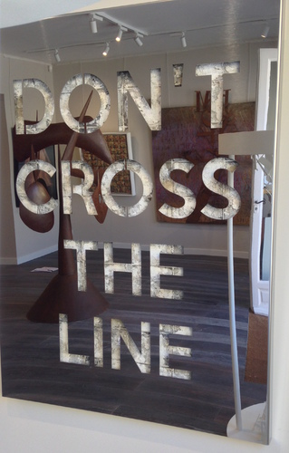 Don't cross the line - Inox